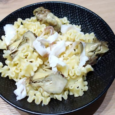Pâtes aux artichauts et au lard di colonnata