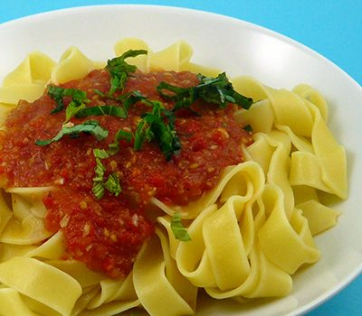 Pâtes sauce tomate piquillos