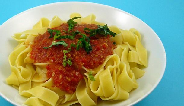 Pâtes sauce tomates piquillos
