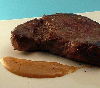 Pavé de bœuf sauce moutarde oignon doux