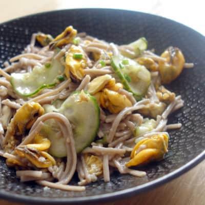 Soba moules concombre