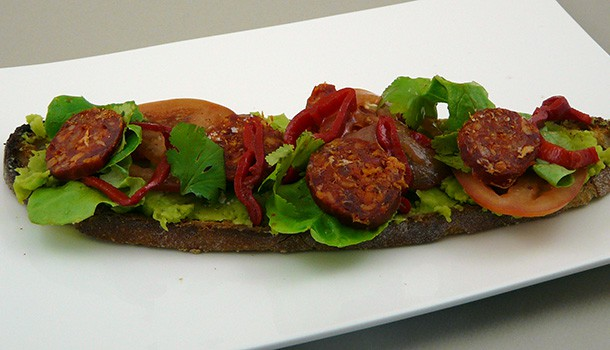 Tartine chorizo fèves